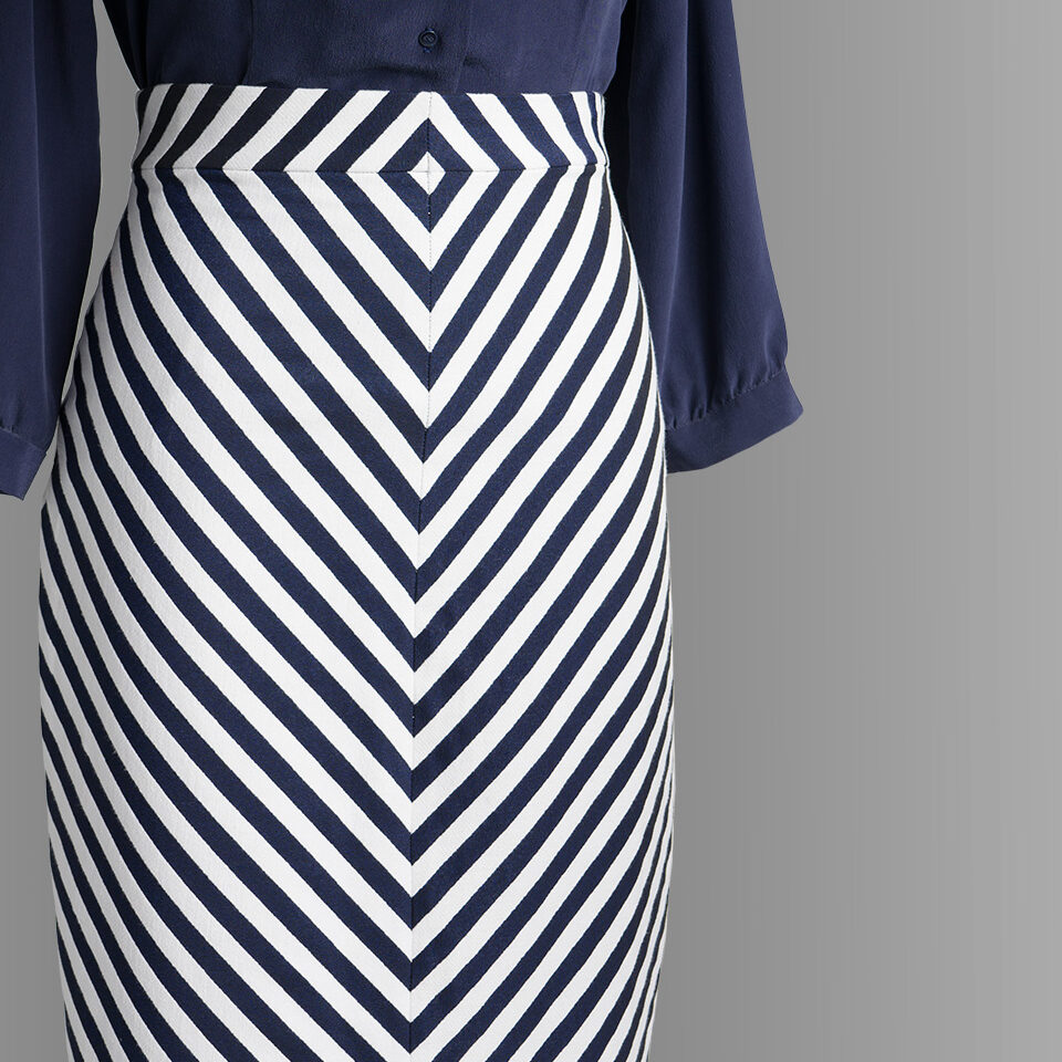 nil-navy-1030-front-detail2