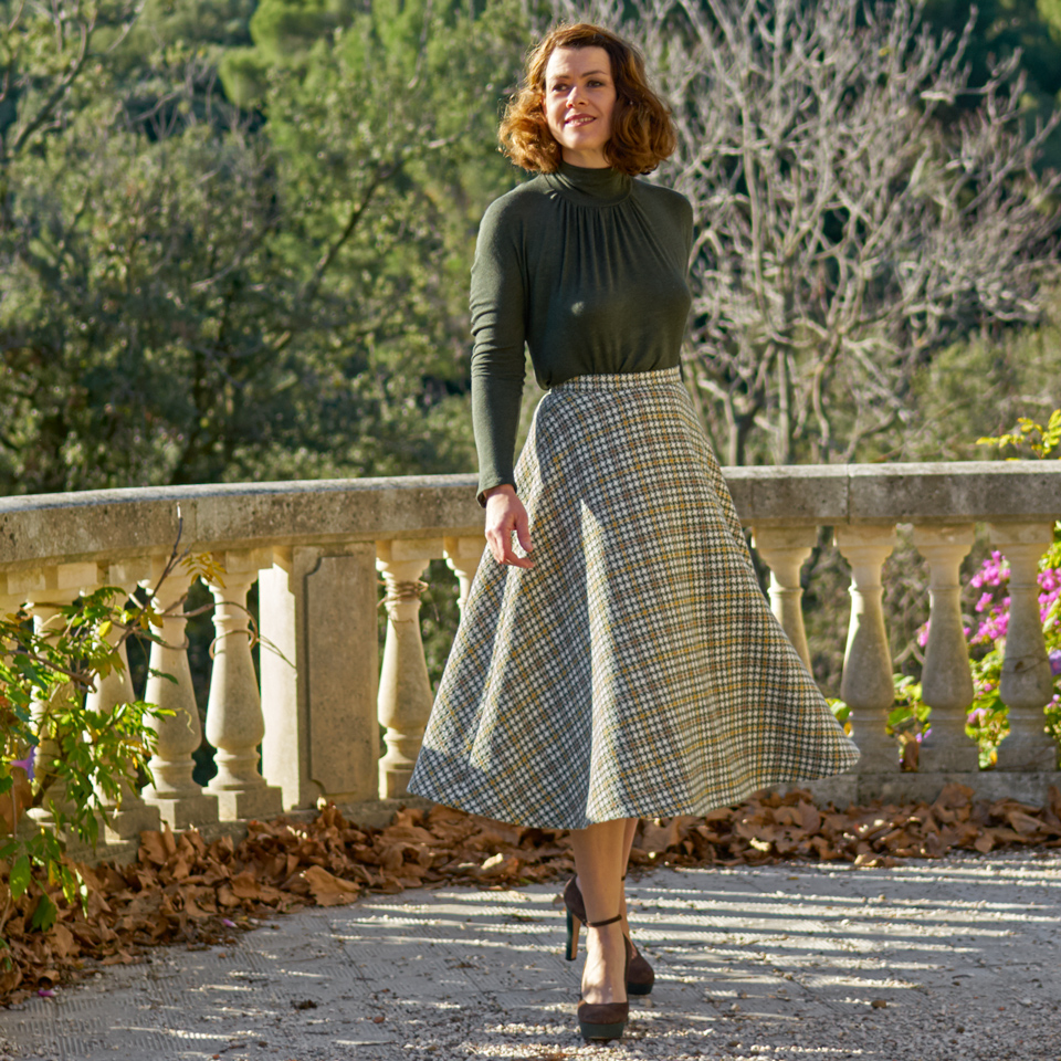 tudor houndstooth skirt
